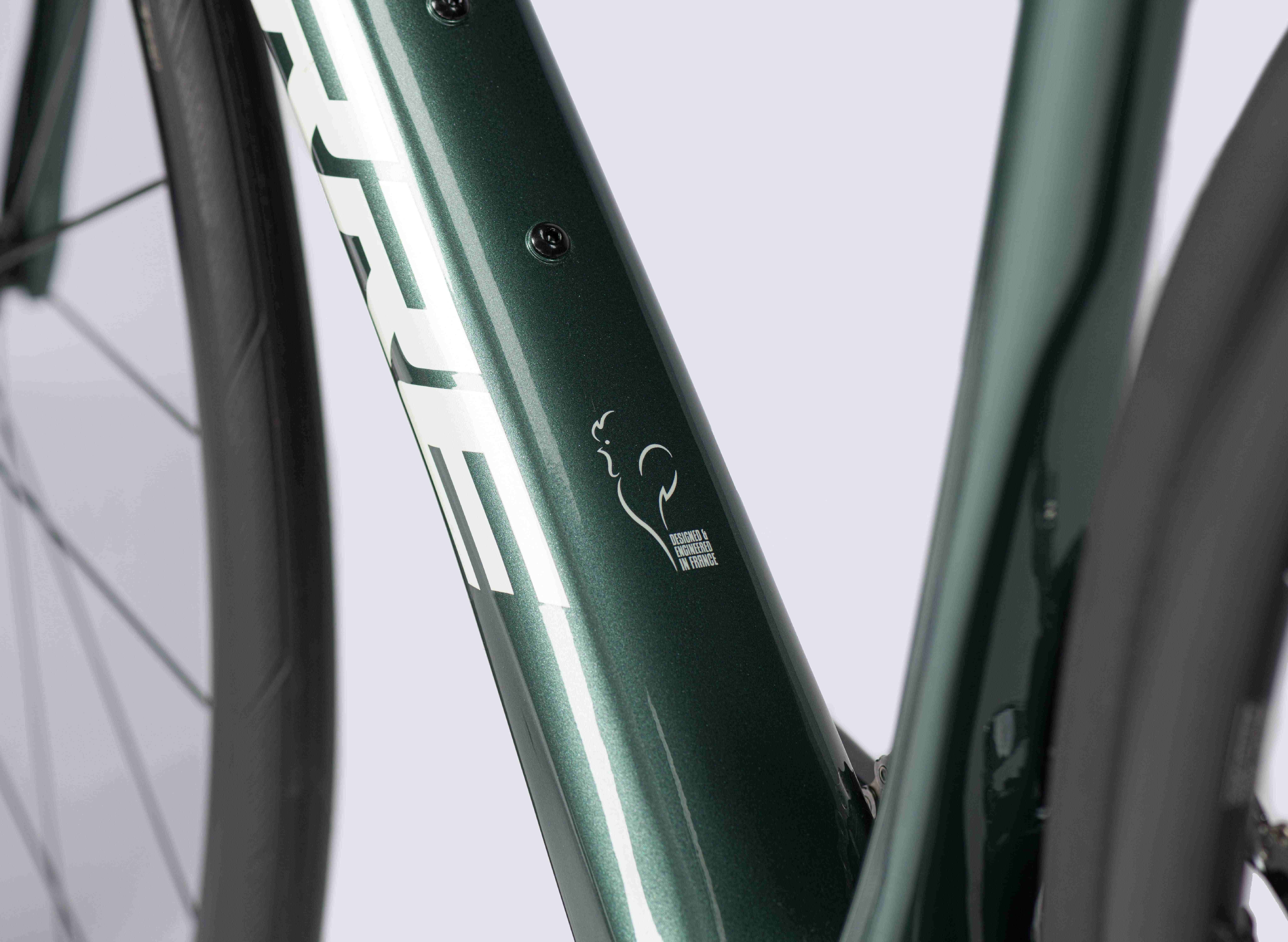 Lapierre Pulsium SAT 6.0 Disc 2021 Endurance Road Bike. Detailed image of bike frame