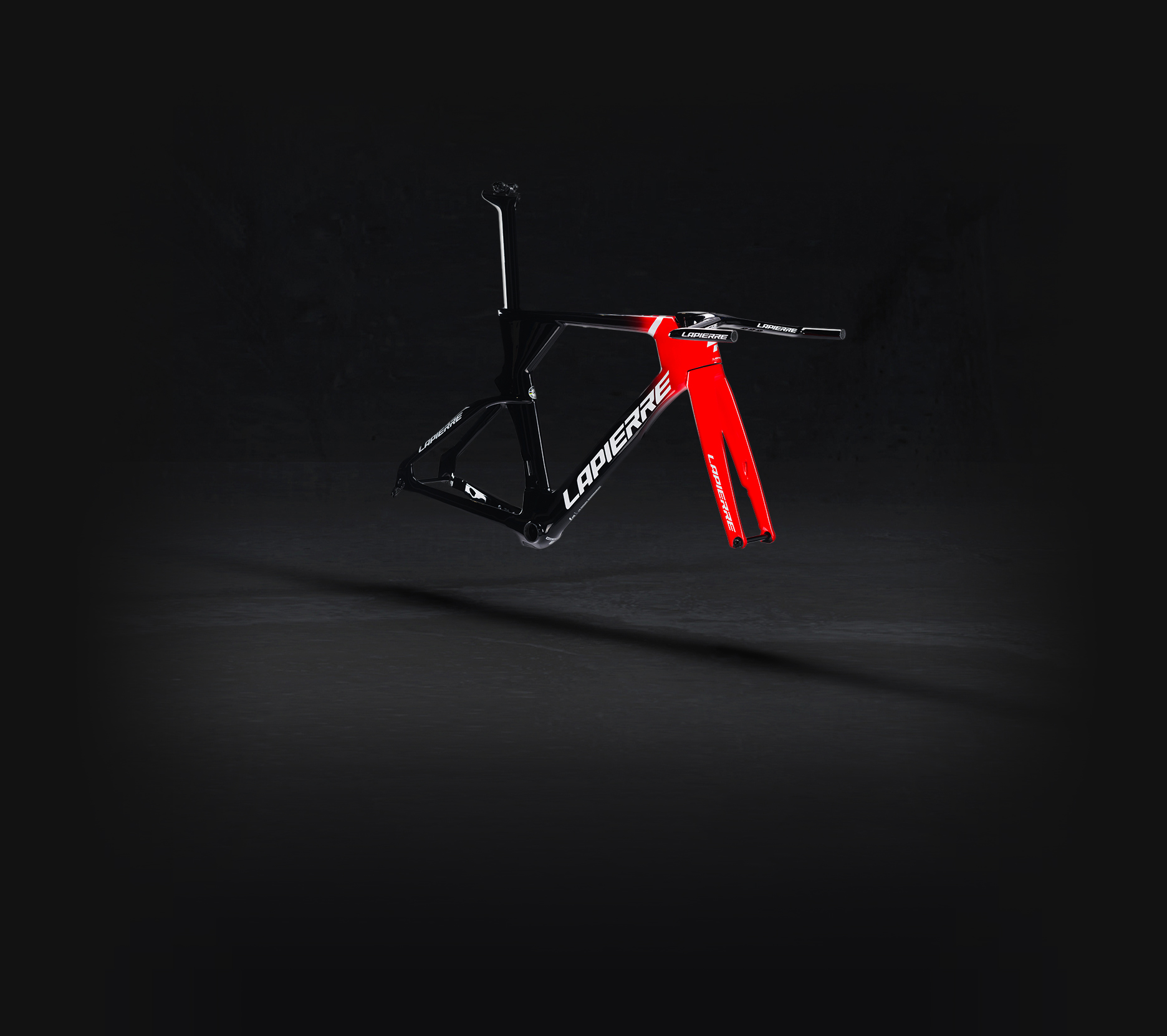 Lapierre Aerostorm DRS frame kit three-quarter front right side view on a black background